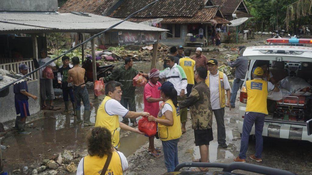 ALERT TEAM Mengunjungi Tempat Pengungsian Korban Tsunami Selat Sunda