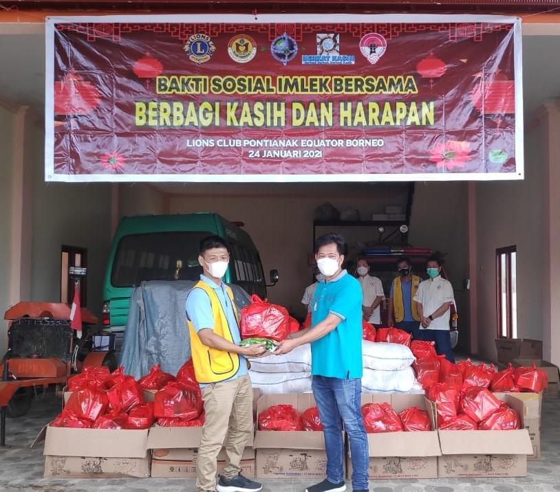 Berbagi Kasih dan Pengharapan Bersama Pontianak Equator Borneo - Lions clubs 307 B1